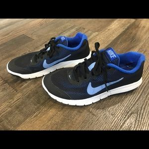 NIKE Shoes Flex Experience RN 4 Size 6